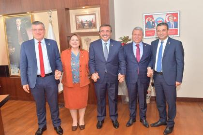CHP'li vekillerden Çukurova Belediye Başkanı Çetin'e ziyaret