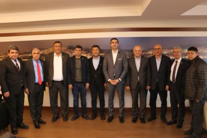 CHP'li vekillerden Kartal Belediye Başkan Gökhan Yüksel'e tebrik ziyareti