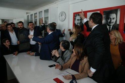 CHP'nin Buca'da Suat Nezir'in adaylığını geri çekmesine CHP'lilerden tepki, İzmir İl Başkanı Deniz Yücel'den açıklama geldi