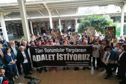 Çorlu Tren Katliamı Aileleri, adalet nöbeti için Sirkeci Garı'nda