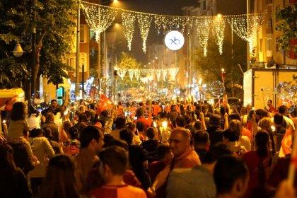 Çorlulular, 19 Mayıs´ı Fener Alayı ve Gencer Savaş Bandosu konseri ile kutladı