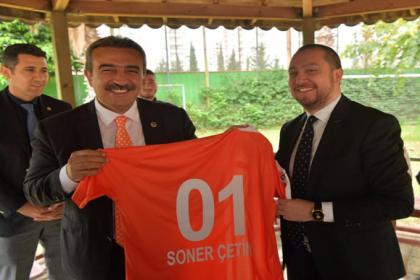 Çukurova Belediye Başkanı Çetin'den Adana Demirspor ve Adanaspor ziyaretinde dostluk mesajı