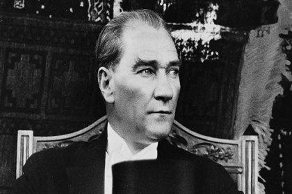 Danıştay: Devlet nişanları ve madalyalarından Atatürk kabartmasının çıkarılması anayasaya aykırı