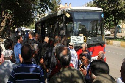 Diyarbakır'da kayyumun yönettiği belediye, hastaneye ücretsiz ulaşım sağlayan otobüsleri geri istedi