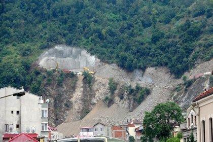 Doğal sit alanı Boztepe yol inşaatıyla tahrip ediliyor