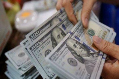 Dolar haftanın ilk gününe 5.49 seviyesinden başladı