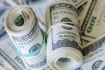 Dolar yeni güne 5,74 seviyesinde başladı