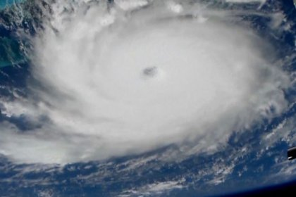 Dorian Kasırgası Bahamalar'ı vurdu: Kasırganın şiddeti 'Kategori 5'e yükseldi