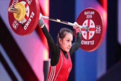 Dünya Halter Dünya Şampiyonası'nda Şaziye Erdoğan altın madalya kazandı