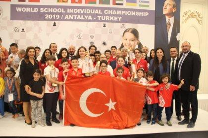 Dünyada satrancının kalbi Antalya'da attı