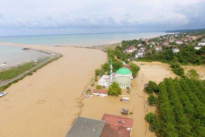 Düzce'de sel: 4'ü çocuk 7 kişi kayıp
