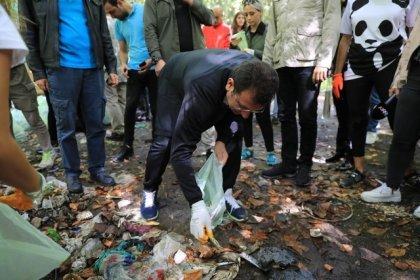 Ekrem İmamoğlu çöp topladı