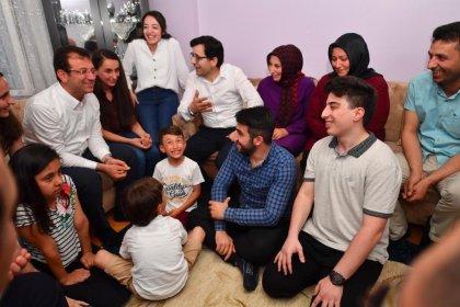 Ekrem İmamoğlu, iftarını Bağcılar'da Köse ailesinin evinde açtı