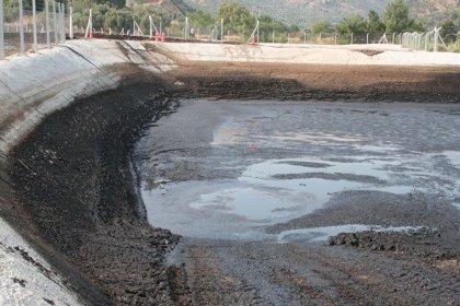 'Fabrikanın atık havuzundan sızan yağ, içme suyunu kirletti'