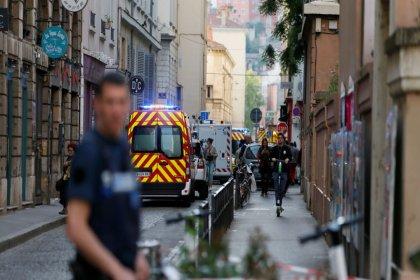 Fransa'da bir üniversite öğrencisi maddi sorunları nedeniyle kendini yaktı