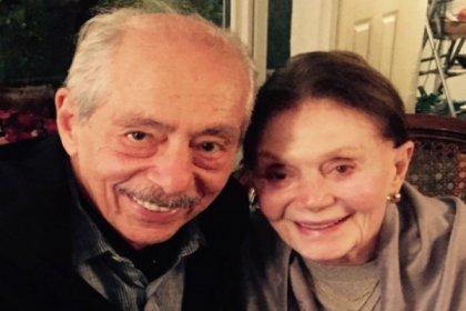 Genco Erkal, Yıldız Kenter'i ziyaret etti: 'Hepinize selamı var'