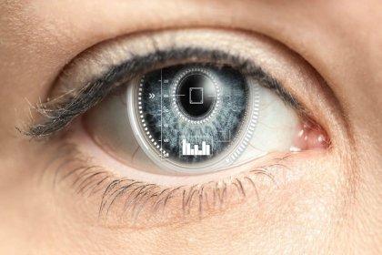 Göz kırpınca görüntüyü yakınlaştıran robotik kontakt lens üretildi