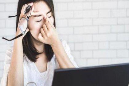 Gözleri sık ovalamak keratokonus hastalığına yol açabilir