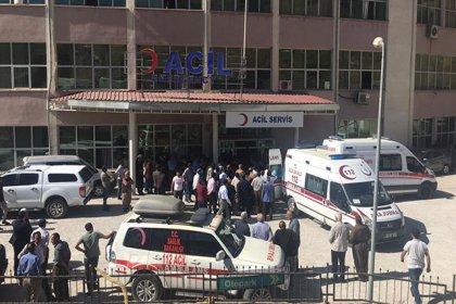Hakkari'de öğrenci servisi şarampole yuvarlandı: 2 ölü, 4 yaralı