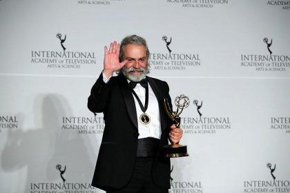 Haluk Bilginer 47'inci Uluslararası Emmy Ödülleri'nde 'en iyi erkek oyuncu' seçildi