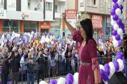 HDP'li Buldan'dan kayyımlara: Şimdiden pılınızı pırtınızı toplayın, o belediyeleri terk edin