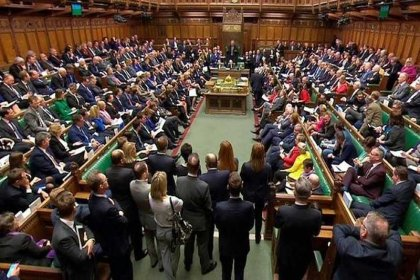 Hükümet istedi, Kraliçe onayladı, İngiltere'de Parlamento askıya alınacak