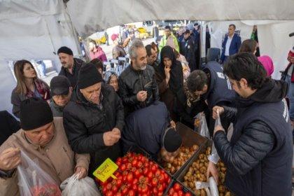 İBB: 10 günde 2 bin 894 ton sebze satıldı