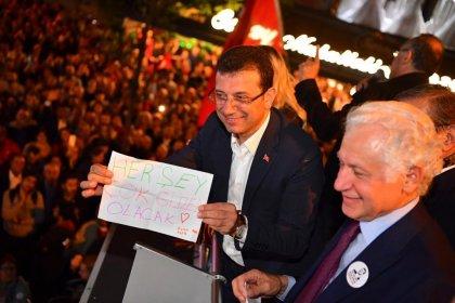 İmamoğlu, gece Şişli'de düzenlenen İlk adım etkinliğinde binlerce vatandaşla buluştu