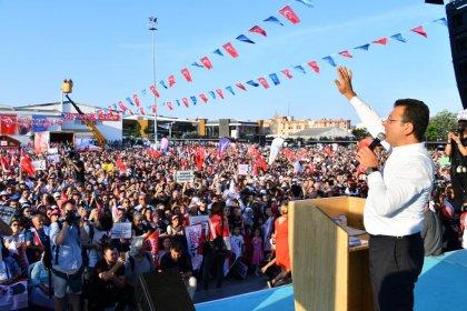İmamoğlu Küçükçekmece'de halka seslendi: Milletin huzurunda 17 yıldır niye konuşmayı kabul etmediniz; işte halk birbirimizi kucaklamamızı istiyor