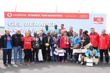 İstanbul 14. Yarı Maratonu'nun galibi Kenyalı atletler oldu
