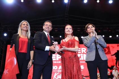 İstanbul, 30 Ağustos Zafer Bayramını Candan Erçetin konseri ile kutladı