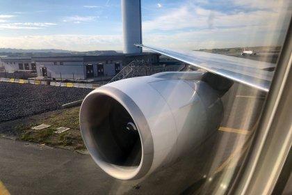 İstanbul Havalimanı'nda kaza: THY uçağı direğe çarptı