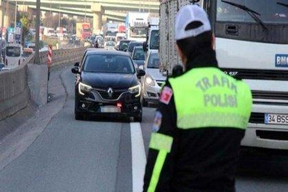 İstanbul'da 'çakarlı araç' denetiminin ilk gün bilançosu: 126 bin 252 lira para cezası kesildi