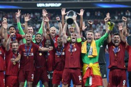 İstanbul'da Chelsea'yı 7-6 yenen Liverpool kupayı evine götürdü