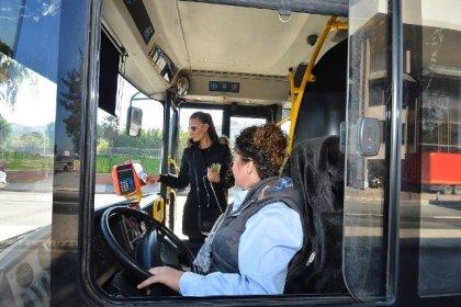 İzmir Büyükşehir Belediyesi 100 kadın şoförü işe alacak