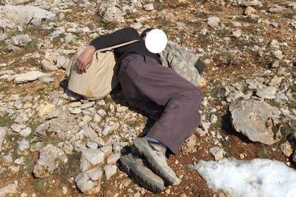Kaçak keklik avcısı, doğa koruma ekiplerini görünce 'uyuyor' numarası yaptı