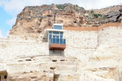 Kapadokya'da doğal kayalığa yapılan asansör kaldırıldı: 'Bitirdikten sonra biz de doğaya uygun olmadığını fark ettik'