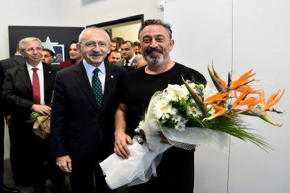Kılıçdaroğlu, Cem Yılmaz'ı izledi