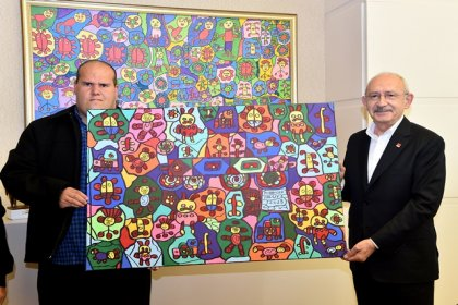 Kılıçdaroğlu, engelli ressam Muhammed Yalçın ile buluştu