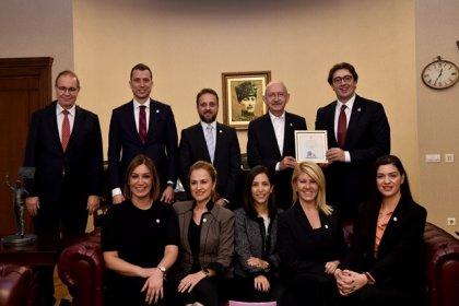 Kılıçdaroğlu, GYİAD Yönetim Kurulu üyelerini kabul etti
