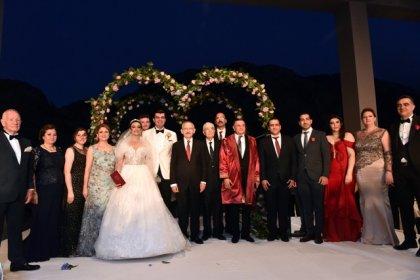 Kılıçdaroğlu, Hatay Büyükşehir Belediye Başkanı Savaş'ın kızının düğününe katıldı