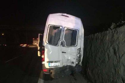 Kocaeli'de taraftar minibüsü kaza yaptı: 10 yaralı