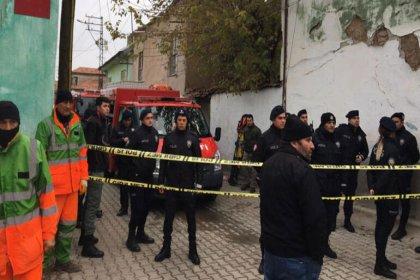Konya'da 2 katlı bina çöktü, 3 kişi hayatını kaybetti
