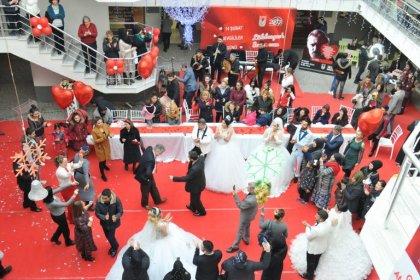 Lüleburgaz Belediyesi'nden Sevgililer Günü'nde toplu nikah töreni