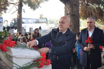 Mahmut Esat Bozkurt Kuşadası'nda Mezarı başında anıldı