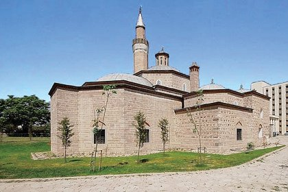 Mansur Yavaş'tan 'Karacabey Camii ve Külliyesi' paylaşımı
