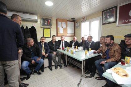 Mansur Yavaş'tan taksi durağına ziyaret
