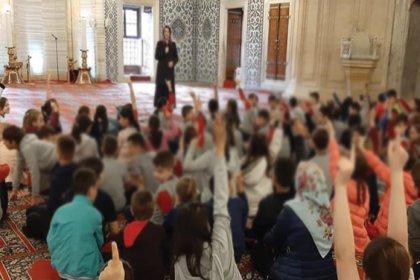 MEB izin verdi, eğitim camiye taşındı!