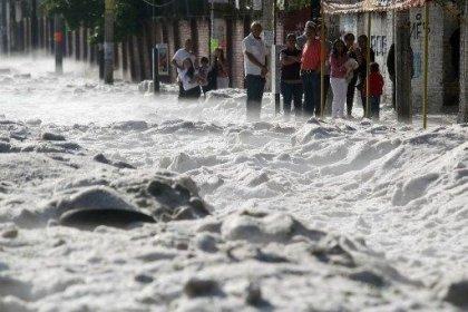 Meksika'da yaz ortasında dolu fırtınası