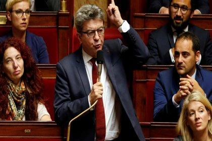 Melenchon: Fransa Guaido'yu desteklerse, bir Sarı Yelekler lideri de kendisini cumhurbaşkanı ilan edebilir